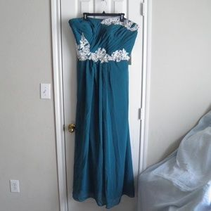 Dresses & Skirts - Teal Formal/Bridesmaid Strapless Dress Size 22 NWT